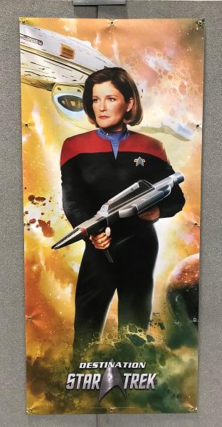 Affiche : capitaine Kathryn Janeway / Photo @KoyoliteTseila