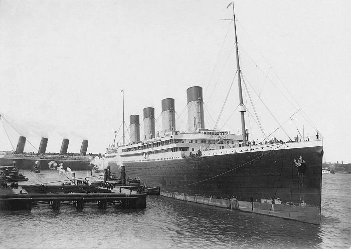 Olympic / Britannic - Les deux frères du Titanic et une curieuse personne...